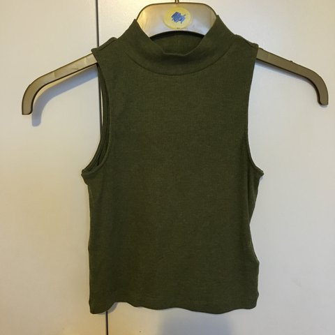 3db8573d2cf1fd Khaki Green crop top from H M💖Size XS (size 6 or 8) Perfect - Depop