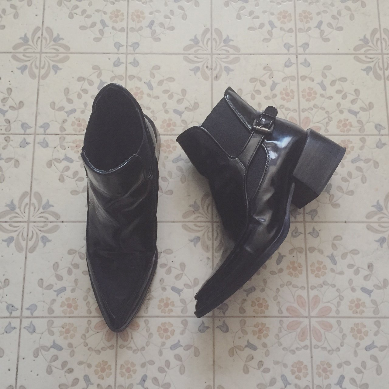 018fe73e681a Zara Patent Leather Ankle Booties. Size 6 36