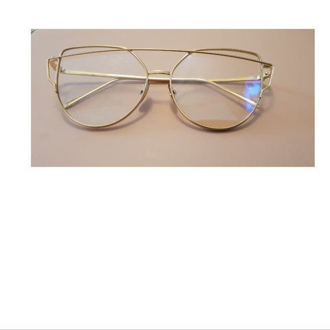 c3d2caab16f3 Clear rose gold frame retro glasses, only a few pairs free - Depop