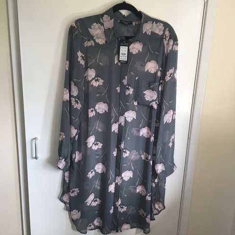 c38fbececfb New look curve brand new with tags floral sheer shirt   Size - Depop