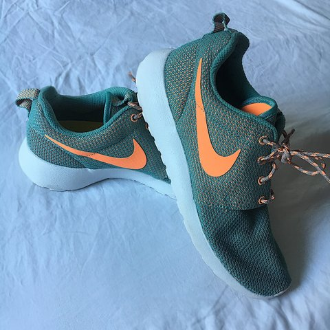 7cb9cbd199b6 Nike Roshe Run trainers in teal and orange hot coral 🍊 worn - Depop