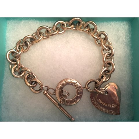 db566a3c2d21a Silver return to Tiffany heart tag toggle bracelet 👄 comes - Depop