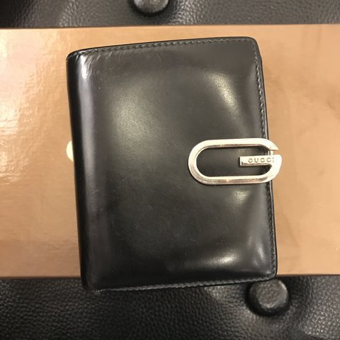 87c9c574384af Auth Pre-owned Gucci Billfold Wallet. Well used. Good on on - Depop