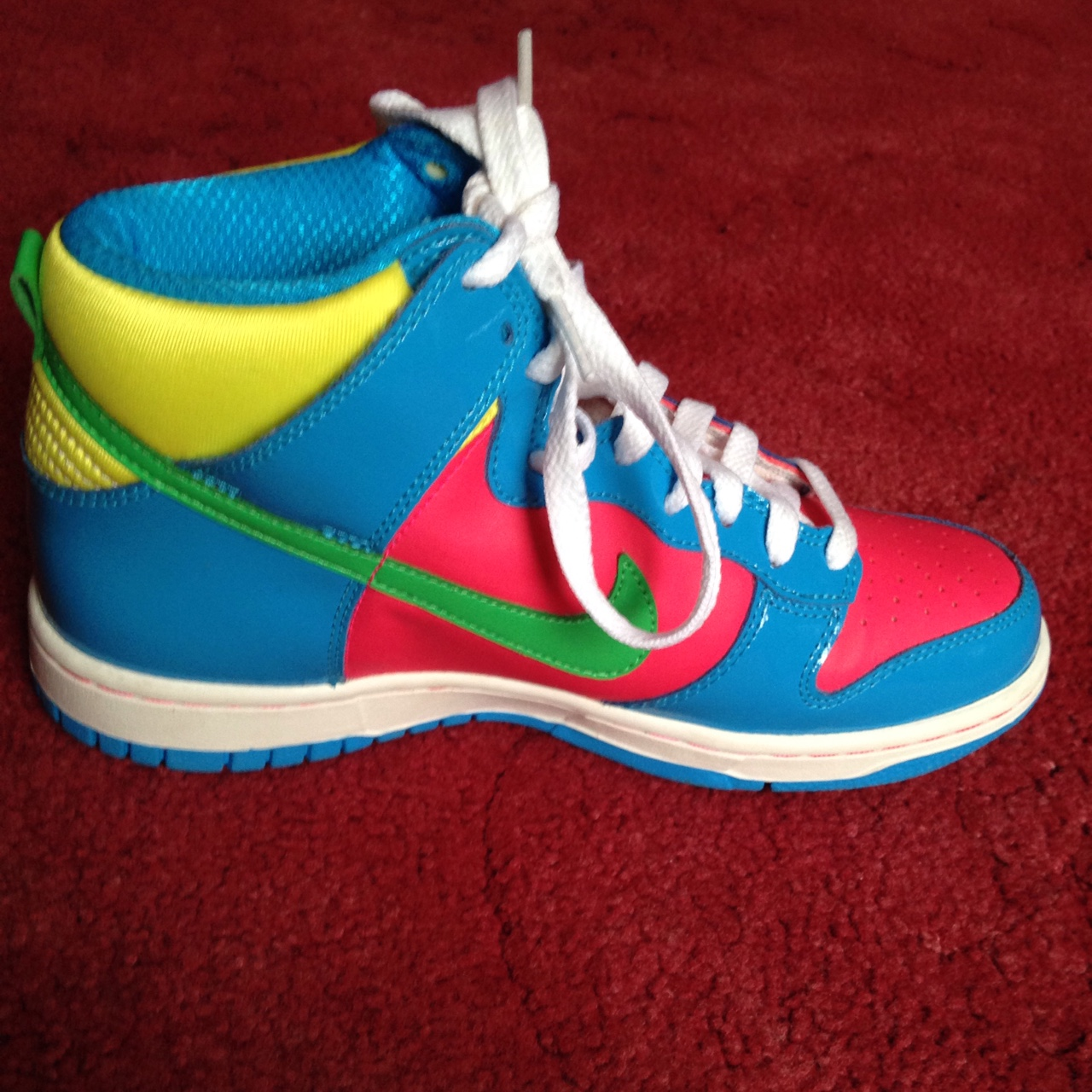 nike high top multicolor Shop Clothing