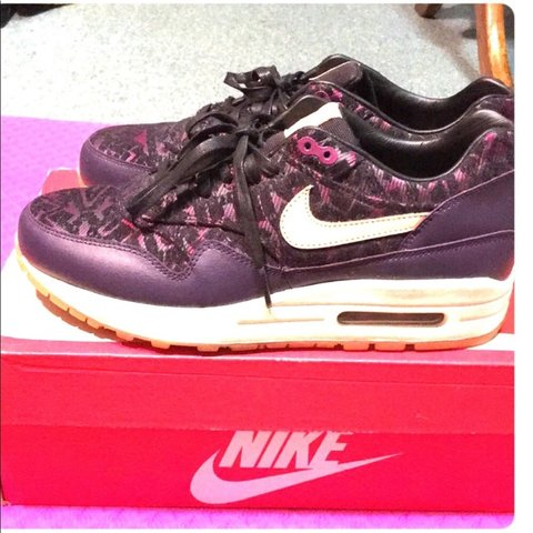 9a40acdb4c9 Royal purple color Air Max 90. New condition
