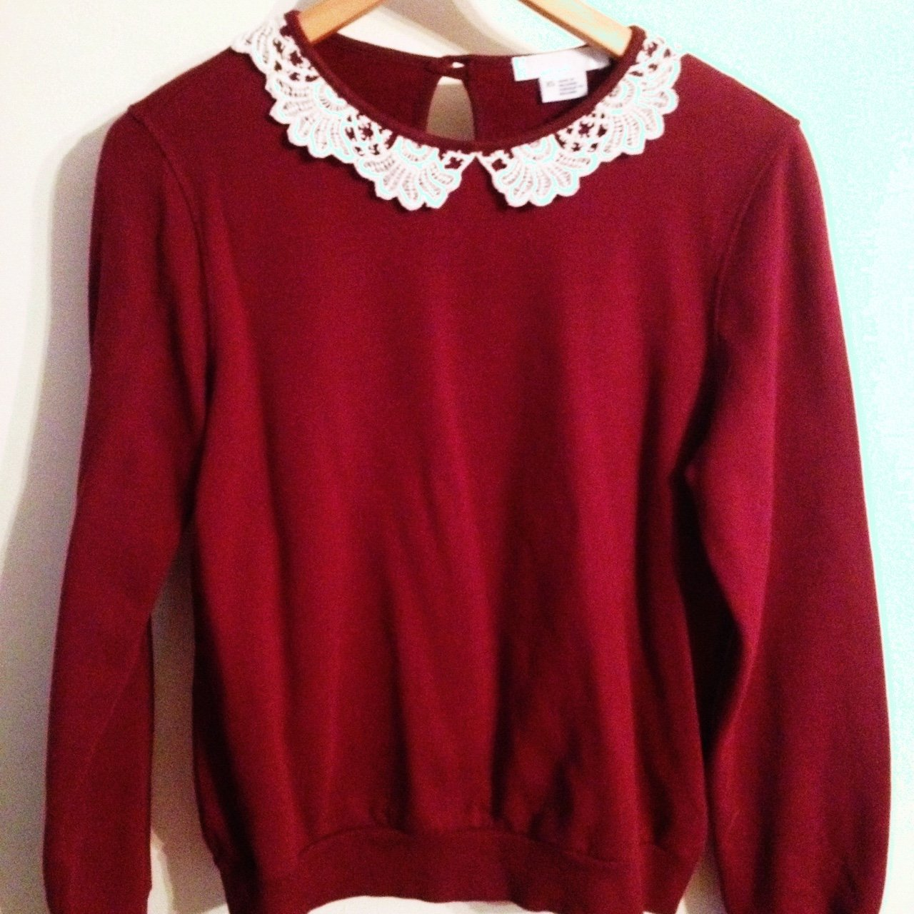 1996dfab62 Urban Outfitters maroon jumper. Size XS but quite a baggy - Depop