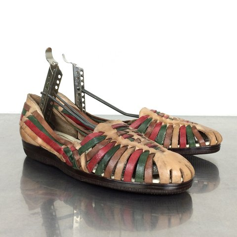 c37482611db9c Vintage leather huarache shoes. Woven leather is brown