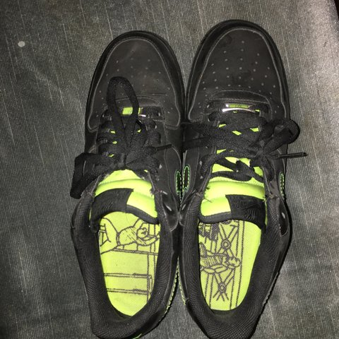 info for 2a3ca aafa5  freshwestprince. 3 years ago. Camarillo, CA, USA. Black and Lime green Air  Force Ones.