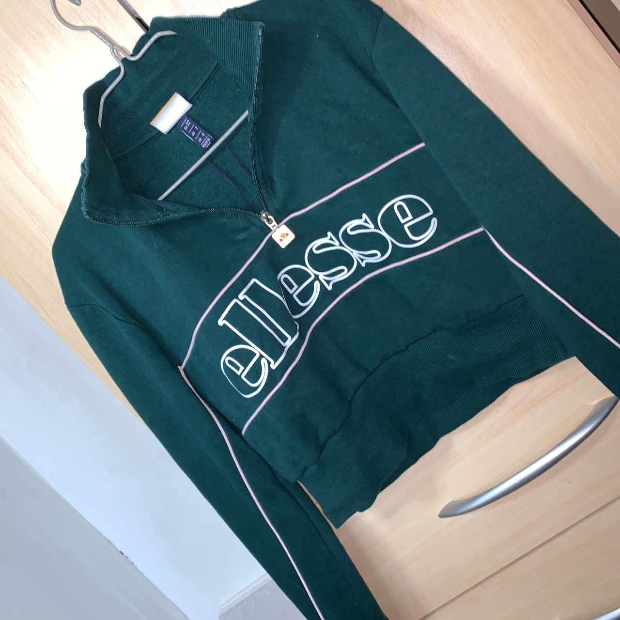 ellesse dark green crop top hoodie jumper had light depop depop
