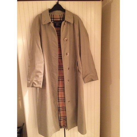 fc1c2c3d3eb676 @lauracorse. 4 years ago. London, UK. Women's Vintage Burberry Trench coat  ...