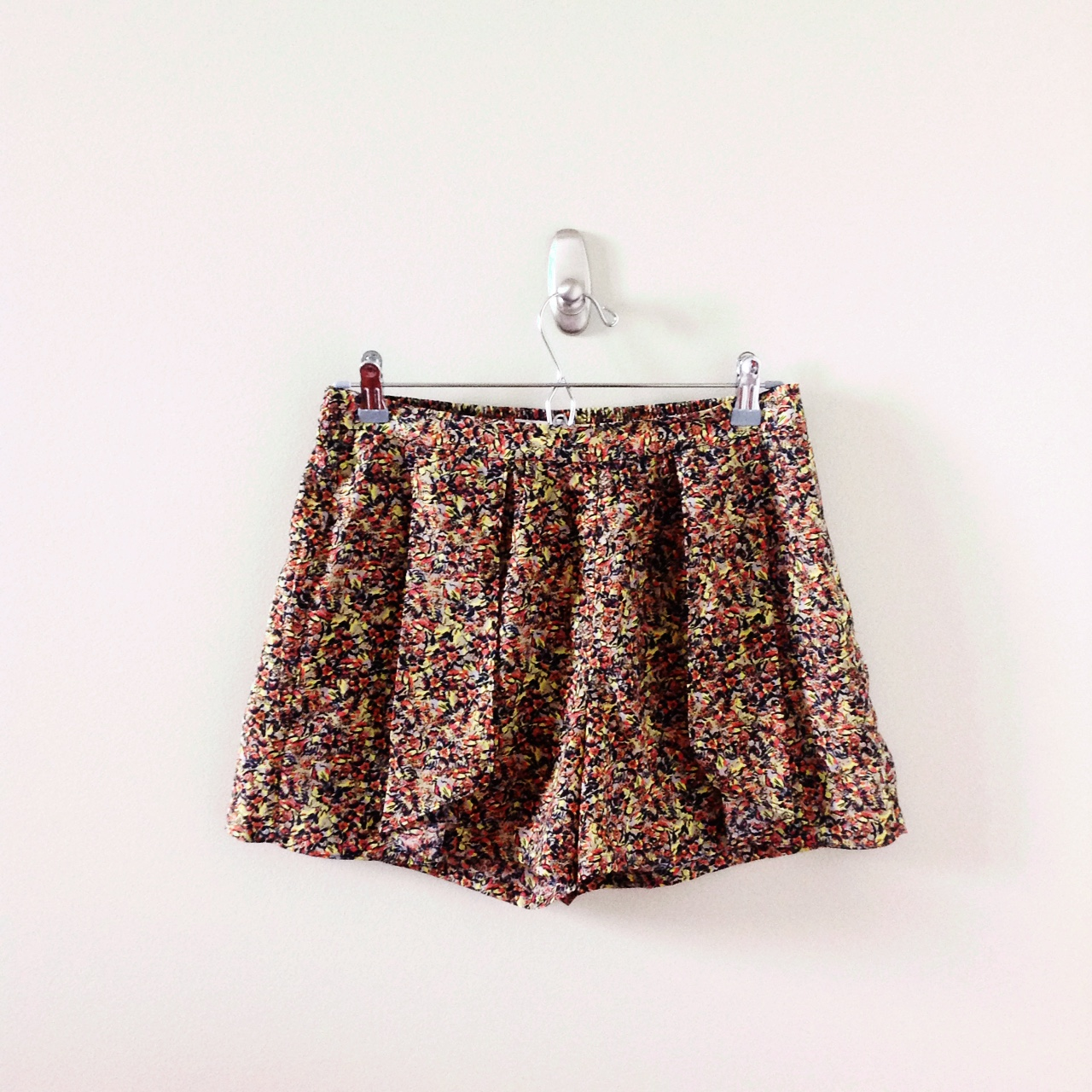 f34291b1b85 Hinge bright floral skort   shorts with a bit of a tropical - Depop