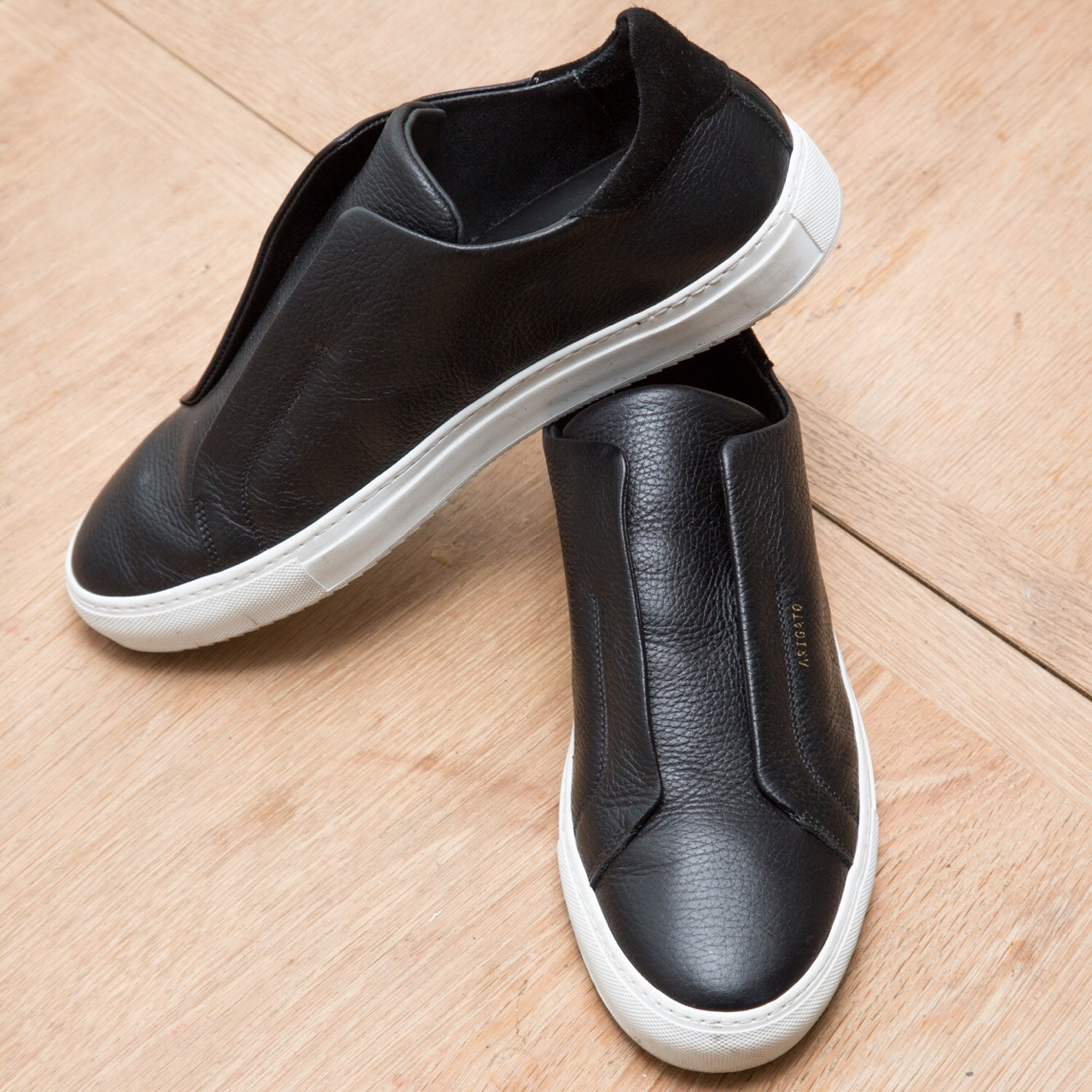 Axel Arigato Clean 90 Laceless slip ons
