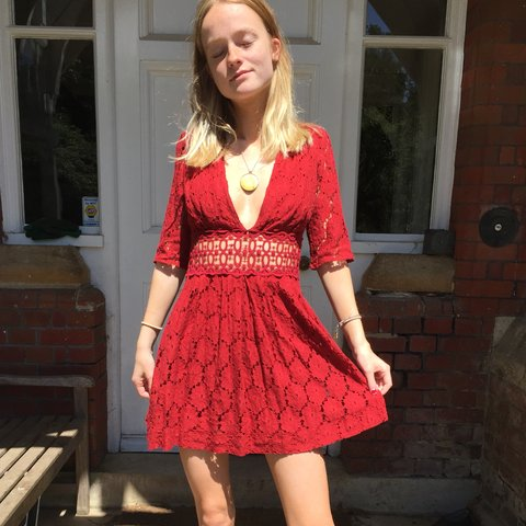 76b1025852 FREE PEOPLE MINI LACE DRESS IN A VIBRANT RED❤ 💋❤ 💋 i love - Depop