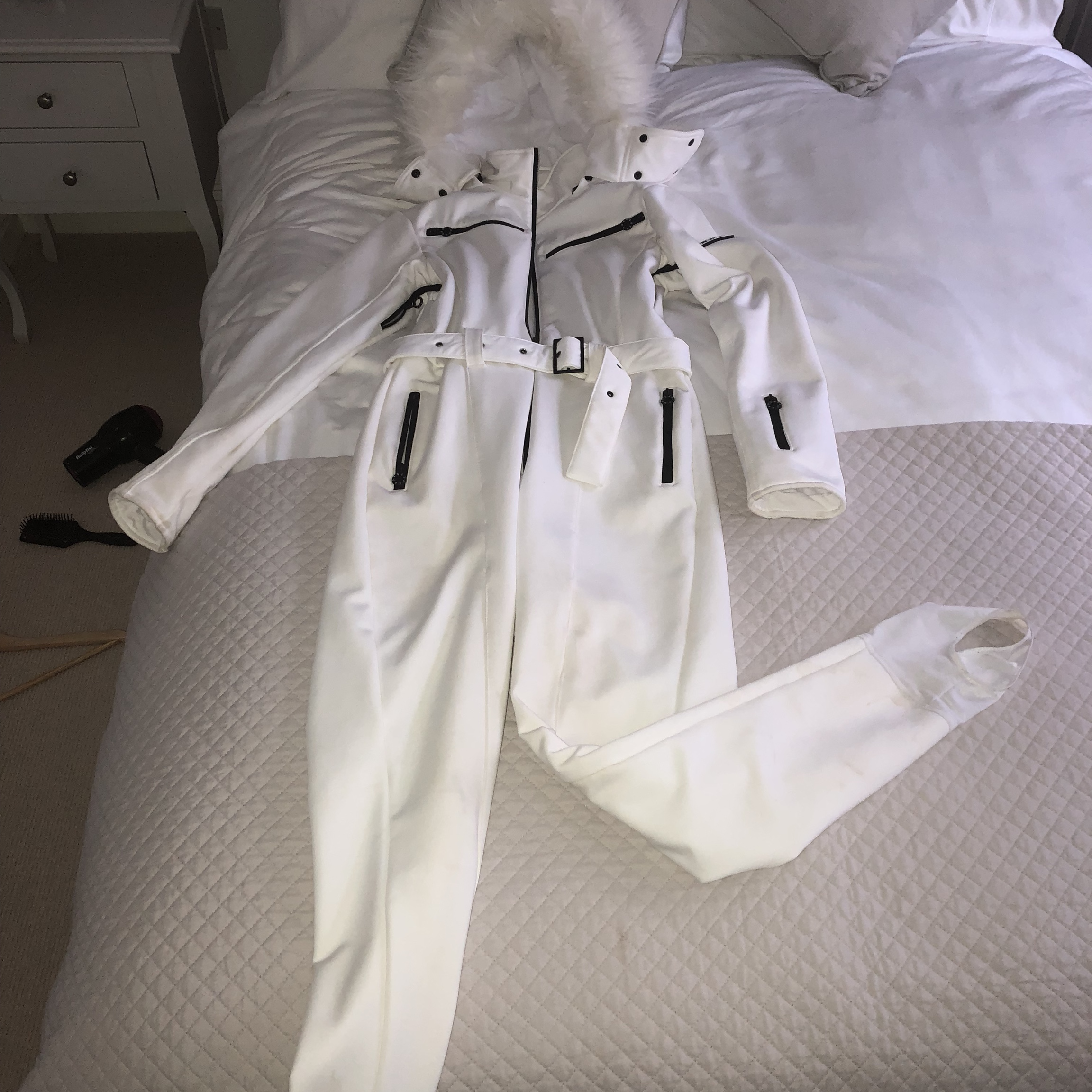 d3a14a9c565 ASOS SKI Jumpsuit in White, Size 12. In very good... - Depop