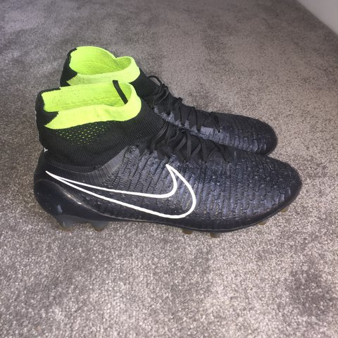 fbcc7ecb1153 Nike Magista sock boots... Moulds... size 7. Barely been in - Depop