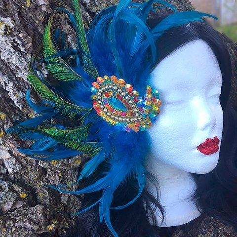 ✨💚💙💚Turquoise Feather Fascinator Brooch with Sequins   A - Depop 5968d323a0c