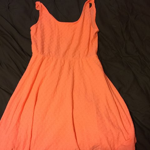 ba3ecb74565 Coral dress Mossimo size large. - Depop