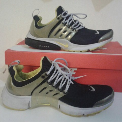 944199c787cc Mens Nike Air Presto Trainers Mens size 8-9  size small Used - Depop