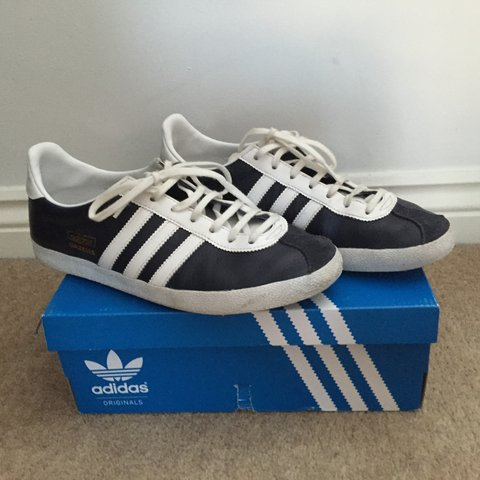 d5e6716753a4 ADIDAS GAZELLE OG TRAINERS. LEATHER. NAVY WHITE. Size 7. - Depop