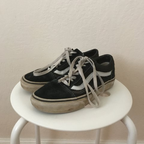 6f5625b162ce47 authentic old skool black vans used but if you cleaned up 6 - Depop