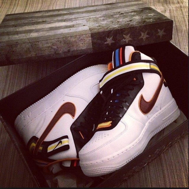 nike air force bianche o nere
