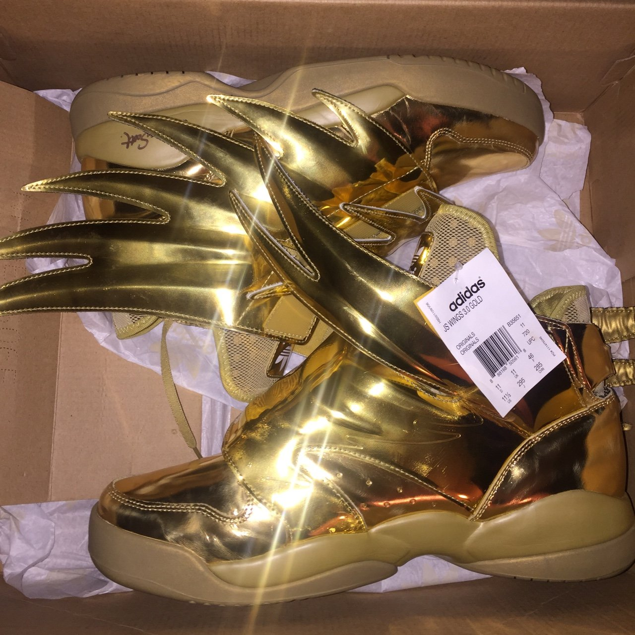 "JEREMY SCOTT X ADIDAS WINGS 3.0 ""GOLD"" SIZE 11.5. NEVER WORN - Depop ffe3fed3e9"