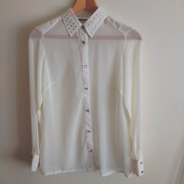 c9113e7d size 10 blouse with gold studded collar. Looks white but is - Depop