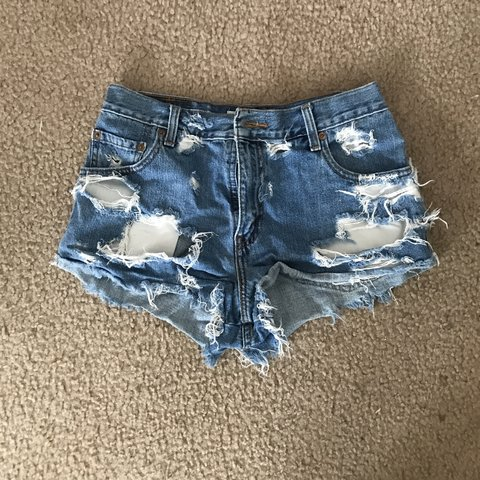 50c206fb @livtay. 9 days ago. Conway, United States. ⚠ PRICE DROP ⚠ LEVIS SHORTS