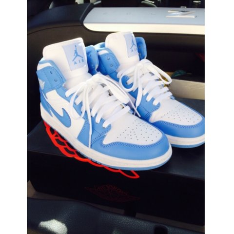 8ba5ab6e337974 Selling my air Jordan north Carolina 1s size 7.5