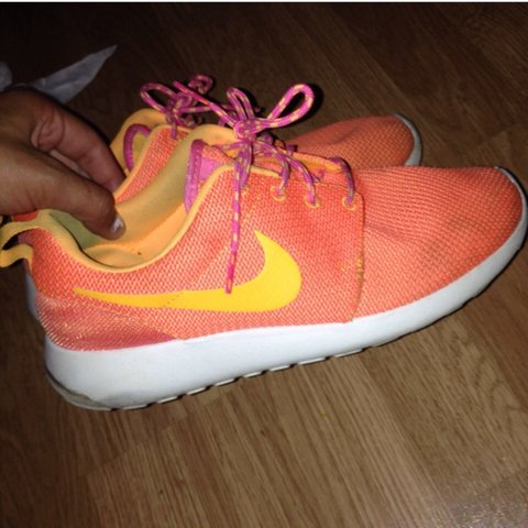 finest selection ab267 df328 Nike Roshe size 6 in- 0