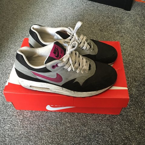 2d089d669c @reecegarcia. 3 years ago. Collier's Wood, London SW19, UK. Unisex Nike Air  Max 1 Black/Pink/Grey. 5/10 condition.