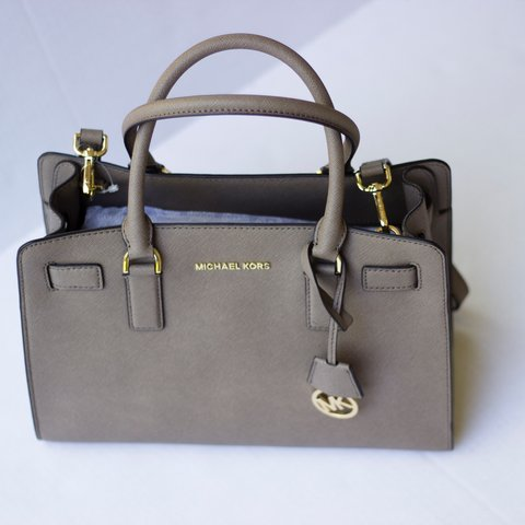 aa3d81dae8f3 Brand new Authentic Michael Kors purse! No tag