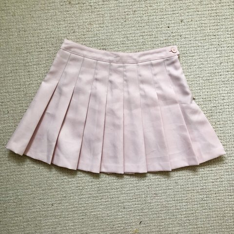 3ffd9105f7 Forever 21 Pleated Pink Skirt • Size M • Cute pleated skirt - Depop