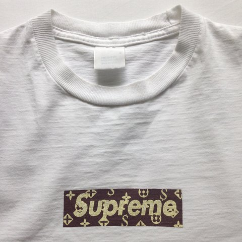 Barclac 3 Years Ago London Uk Supreme White Lv Louis Vuitton Box Logo Tshirt