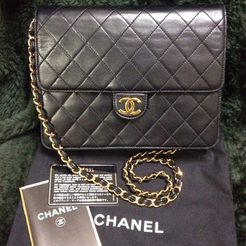 91a341b6dbbd @endappi. 4 years ago. Kashiwa, Chiba Prefecture, Japan. Vintage CHANEL  black quilted lambskin classic 2.55 shoulder ...