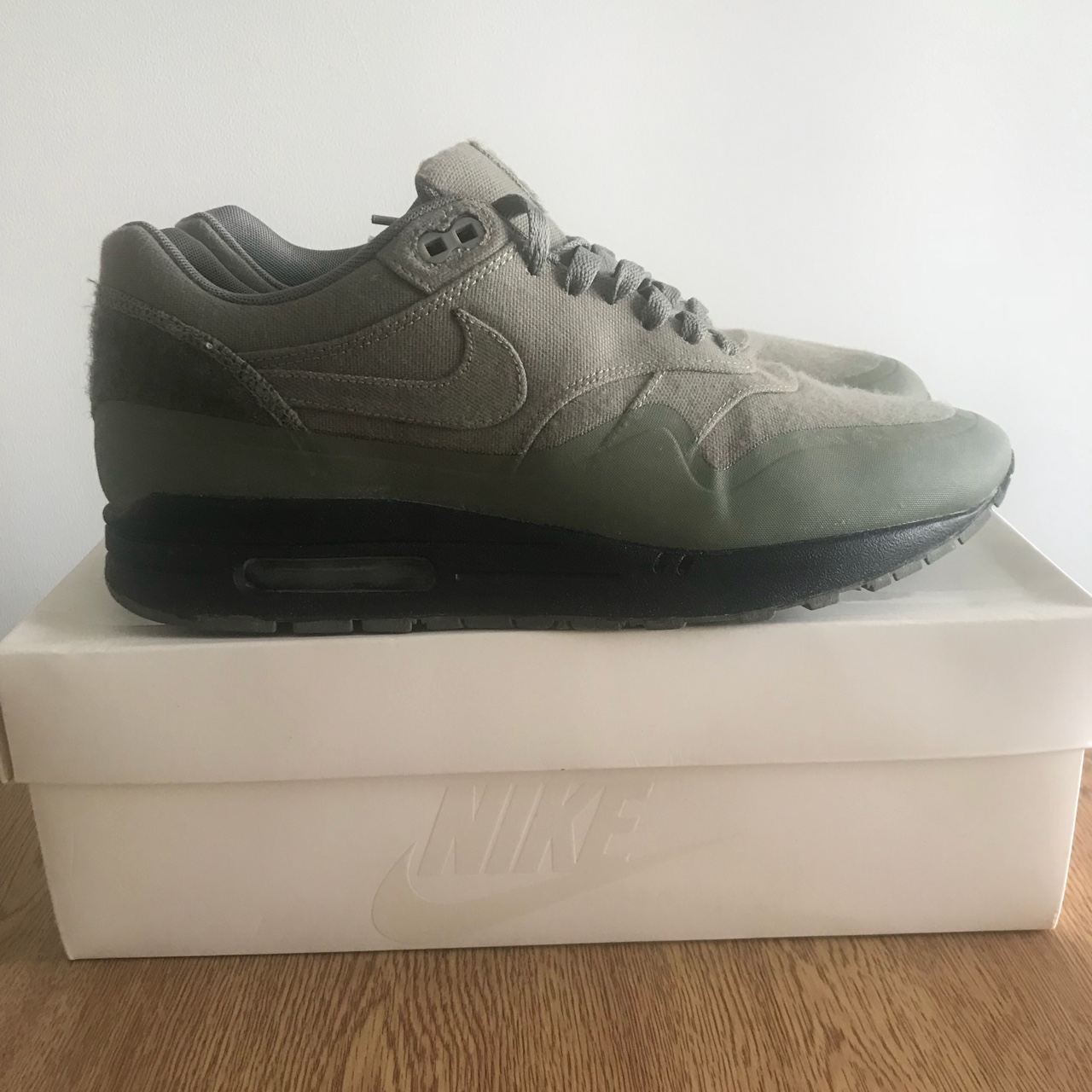 Nike Air Max 1 Patch Olive •