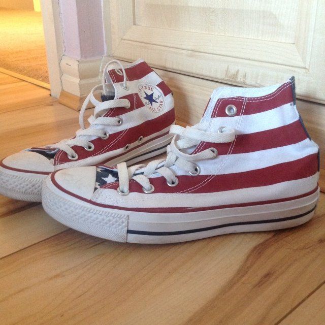 6649eb9fe5248d Converse American Flag Baseball shoes. Hardly worn