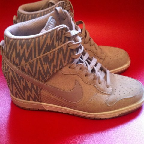 new style cf5d1 85042 REDUCED  Nike sky hi dunk- 0