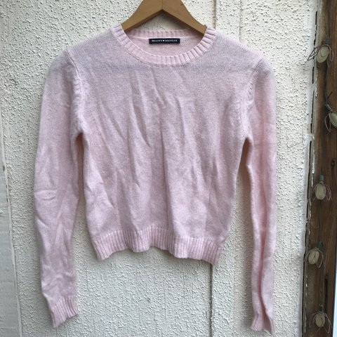 6cb42c028c997 ♡ FREE SHIPPING ♡ Baby pink Brandy Melville cropped This is - Depop