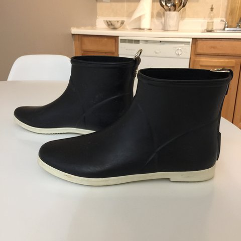 023213ba5 ALICE + WHITTLES MINIMALIST BLACK + WHITE ANKLE RAIN BOOT. - Depop