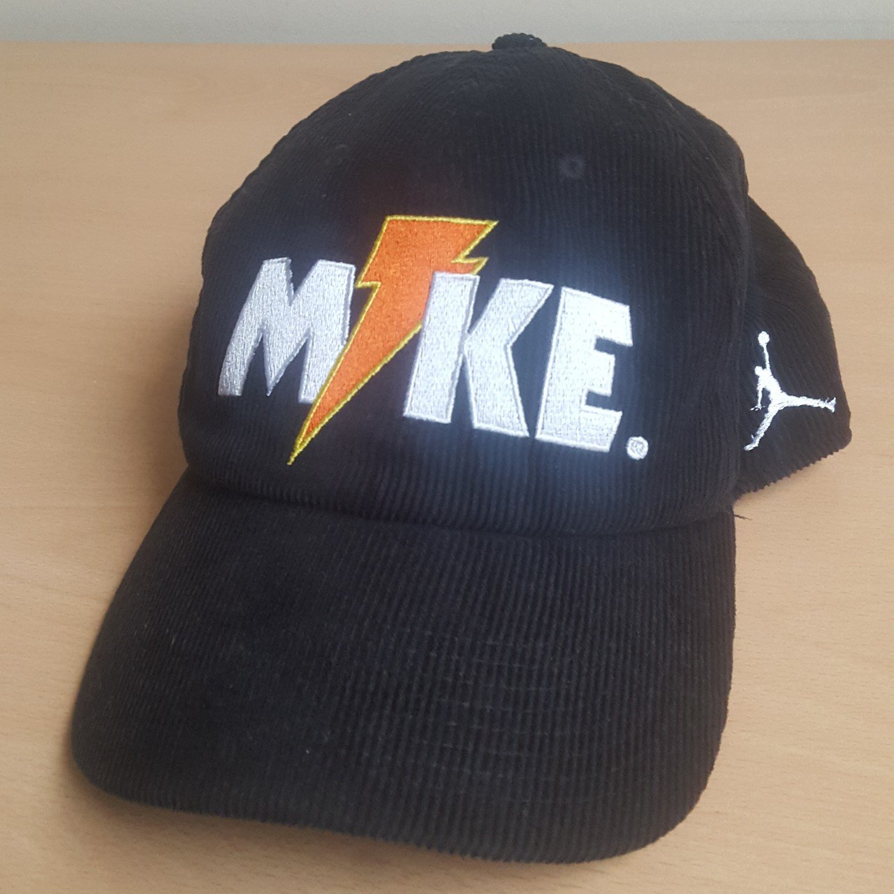 Nike Jordan X Gatorade Like Mike Hat This is an extremely - Depop 7592def64ee