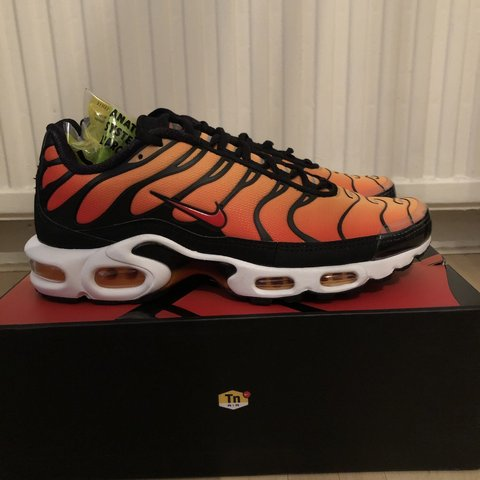5dd3f7f1e1 @ddesms. 5 months ago. London, United Kingdom. Brand new Orange tns never  worn