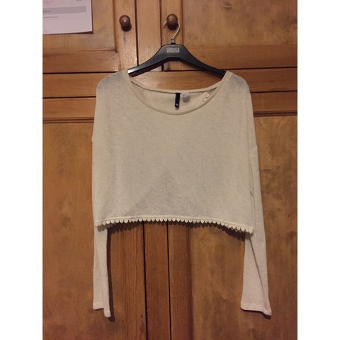 e326234fc05 @daniella_fitzpatrick. 2 years ago. Leicester, UK. H&M cream knit long  sleeve crop top ...