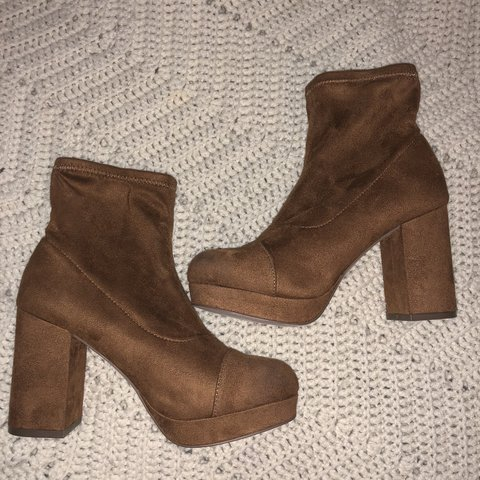 8037434796f4 BROWN SUEDE SOCK BOOTS 🍒forever 21 sock boots in a brown - Depop