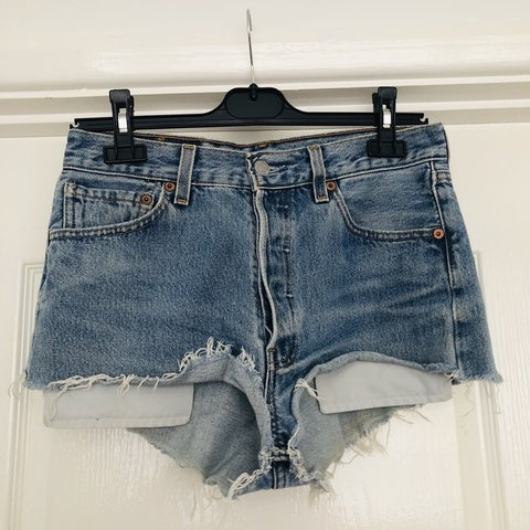 d8eeed26f7 @emmaedearling. 7 days ago. United Kingdom. Blue raw hem denim shorts ...