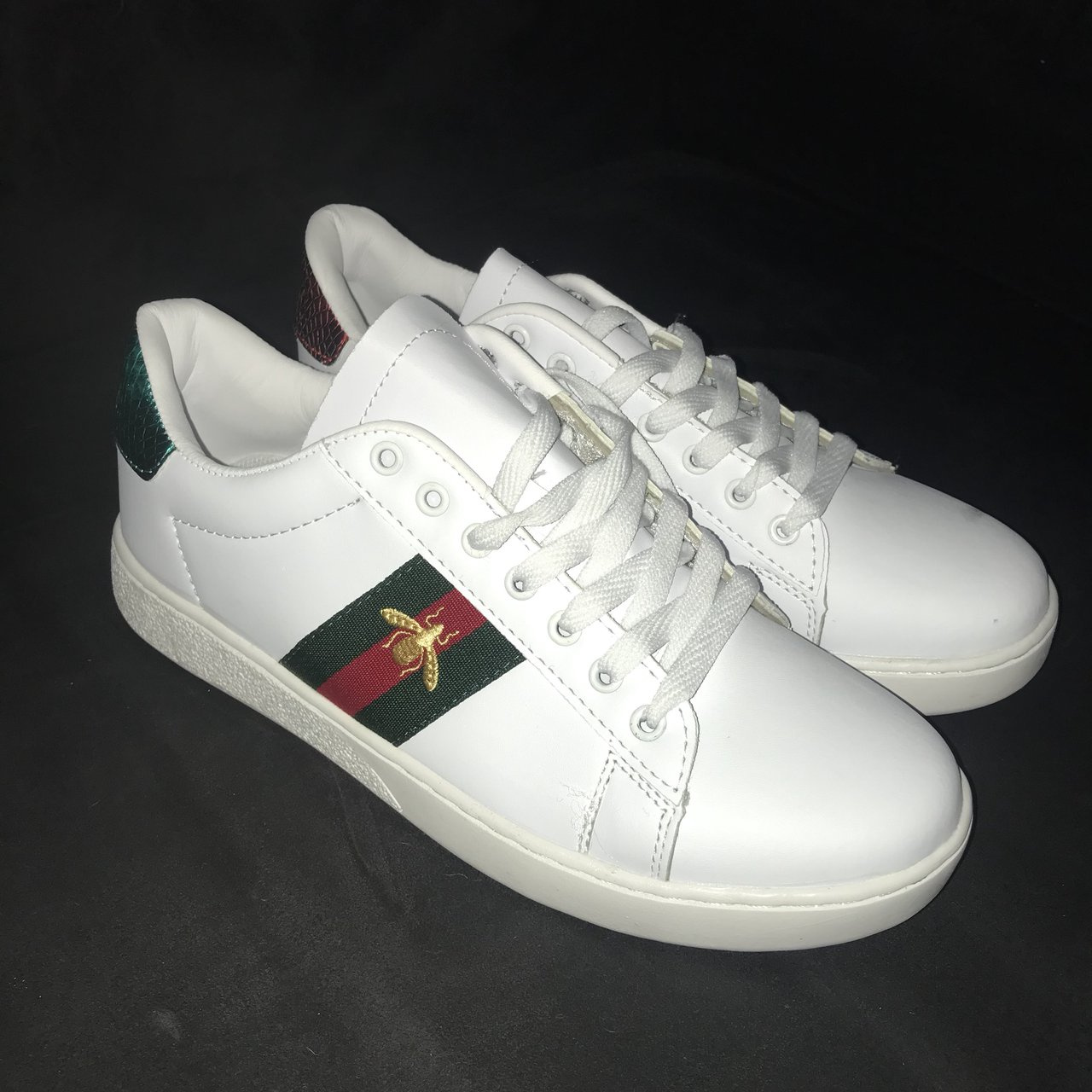 3f7031dea13 Selling these fake Gucci trainers. They are in amazing and - Depop