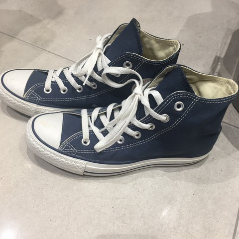 8b60c63efad7 ✨NEW LOWER PRICE✨ Size 6 navy blue converse