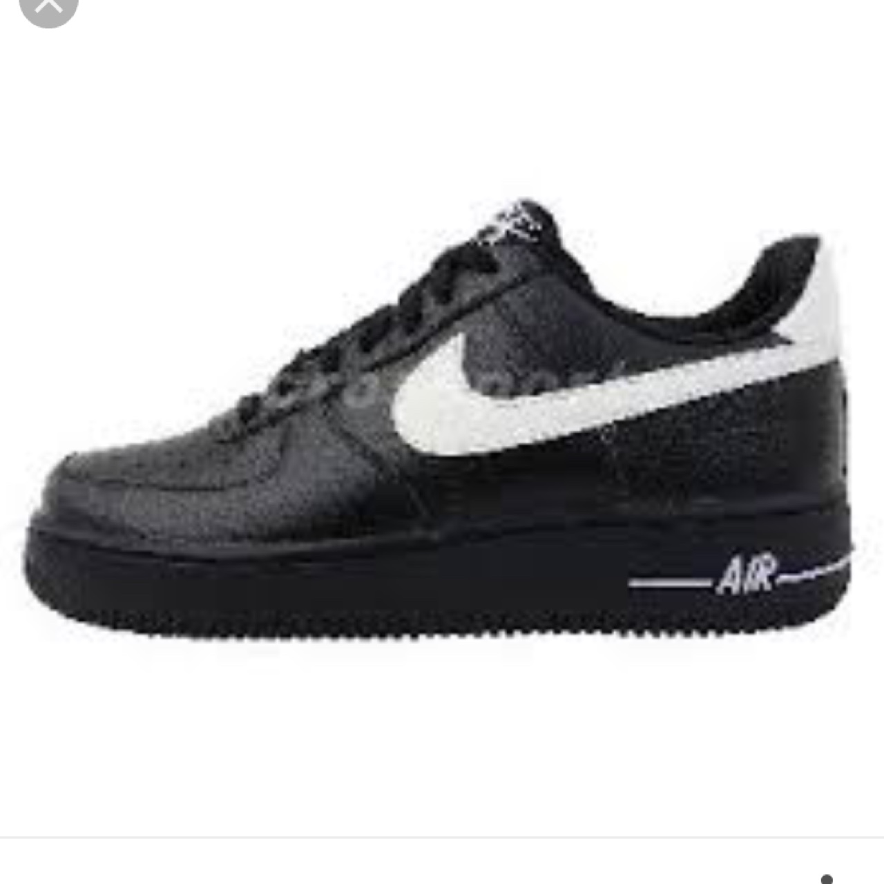 WANT TO BUY black nike airforce 1s with