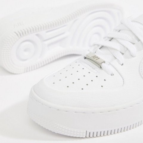 100% authentic 5ab9f dca8f  jessgriffin21. 5 months ago. London, United Kingdom. Nike White Air Force  1 Sage Trainers ...
