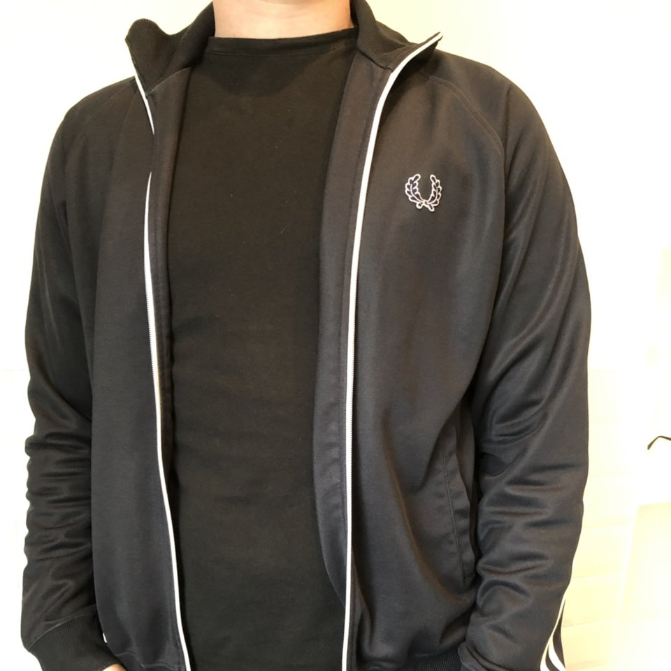 Men's size large Fred Perry jacket in great Depop